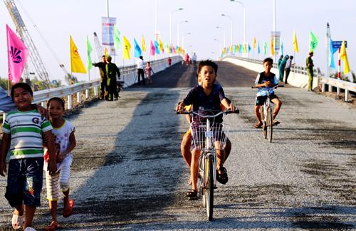 Thông xe tuyến đường Hồ Chí Minh đến Đất Mũi Cà Mau 2