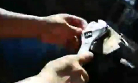 'Độc chiêu' lái ôtô khi hỏng vô-lăng