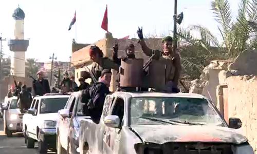 Thị trấn nhỏ kiên cường trong vòng vây IS 1