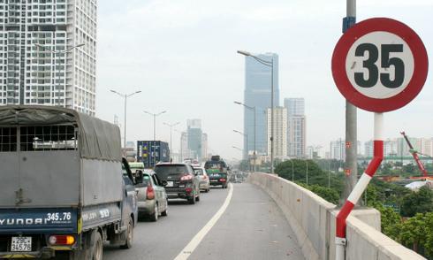 TP HCM ra thông báo khẩn nâng tốc độ tối thiểu lên 50 km/h