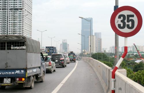 TP HCM ra thông báo khẩn nâng tốc độ tối thiểu lên 50 km/h 1