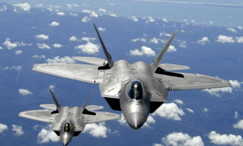 Mỹ triển khai 14 chiến đấu cơ F-22 tối tân tới Nhật