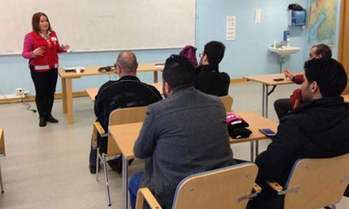 Lớp học cách đối xử với phụ nữ cho người tị nạn ở Phần Lan