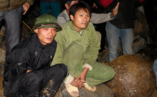 Trắng đêm tìm kiếm nạn nhân vụ sập mỏ đá làm 8 người chết 3