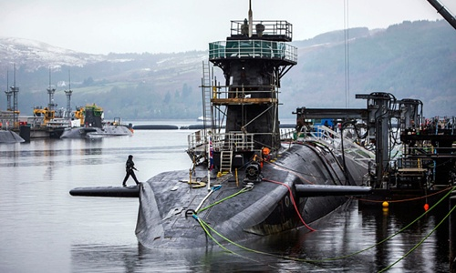 Người nắm giữ công tắc khai hỏa tên lửa hạt nhân từ tàu ngầm Anh 2
