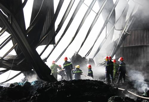 Cháy 3 giờ trong nhà máy xử lý rác công nghệ cao 2