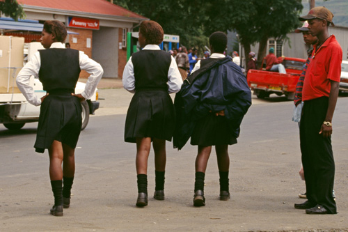 school-girls-1-2120-1453793281.jpg