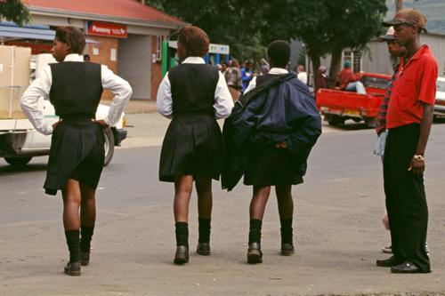 school-girls-1-2120-1453793281.jpg