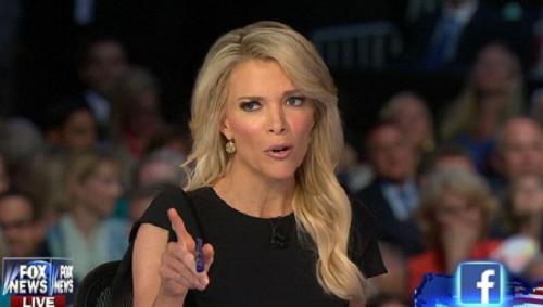 """Nữ nhà báo khiến tỷ phú Donald Trump """"toát mồ hôi"""" 2"""