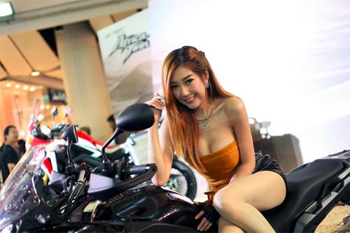 dan-mau-nong-bong-tai-bangkok-motorbike-festival-2016