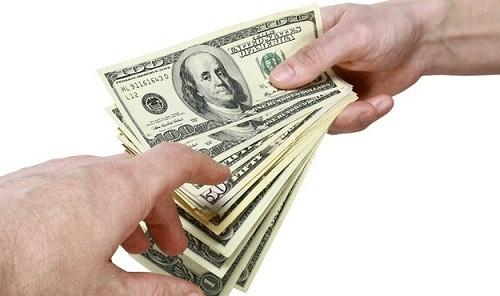 Pay /peɪ/ the money you receive for doing a job: khoản tiền được trả khi làm việc nói chung, lương nói chung
