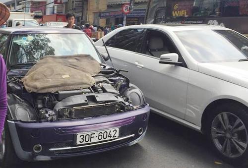 Cháy gara ở trung tâm Sài Gòn, 10 ôtô bị thiêu rụi 2