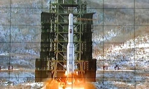 Triều Tiên cảnh báo tàu thuyền, chuẩn bị phóng vệ tinh