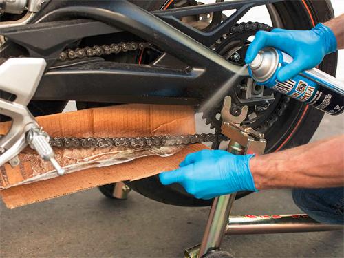 6 bước đơn giản chăm sóc xích xe máy tại nhà 2