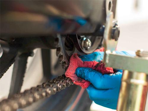 6 bước đơn giản chăm sóc xích xe máy tại nhà 4