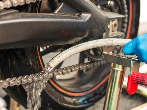 6 bước đơn giản chăm sóc xích xe máy tại nhà 5