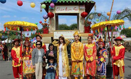 Báo Tây viết về lễ hội Tết của người Việt ở Mỹ