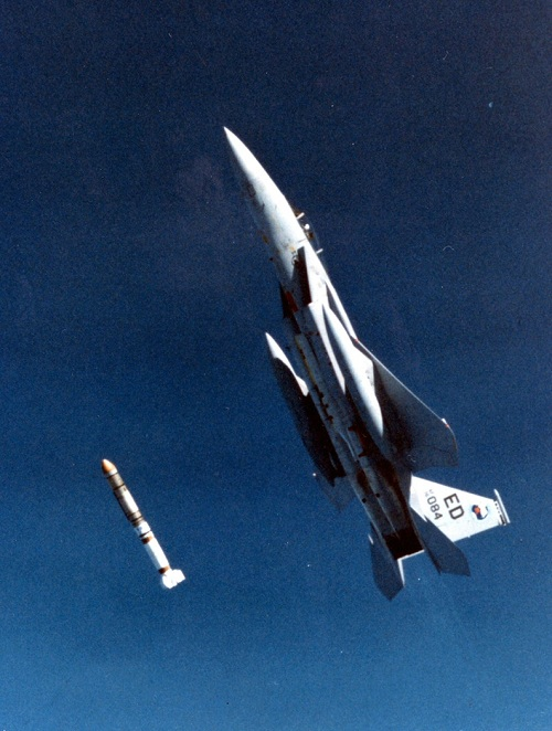 ASM-135, sát thủ diệt vệ tinh của Mỹ 2