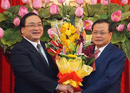 Ông Hoàng Trung Hải nhậm chức Bí thư Hà Nội 2