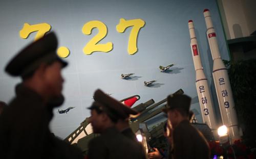 Mô hình tên lửa Triều Tiên. Ảnh: Telegraph