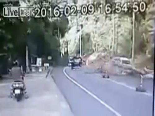Gây tai nạn khi cố chạy trốn cảnh sát 3