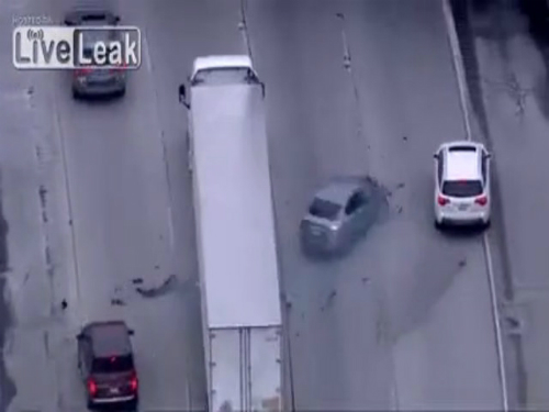 Gây tai nạn khi cố chạy trốn cảnh sát 1