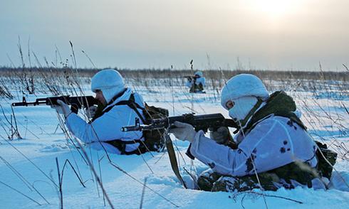 Putin đặt quân đội trong tình trạng báo động cao