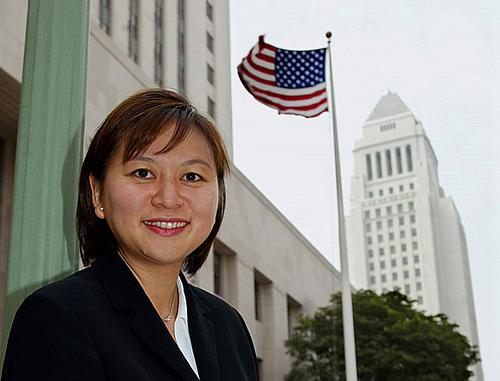 Chân dung nữ thẩm phán gốc Việt có thể vào tòa án tối cao Mỹ 1