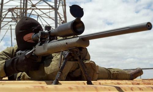 Đặc nhiệm Anh bắn xuyên táo thủ lĩnh IS đang dạy phiến quân. Ảnh minh họa:
