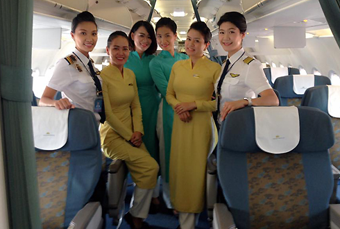 phi-hanh-doan-toan-nu-cua-hang-khong-viet-nam-1