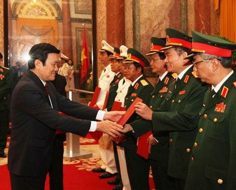 313 sĩ quan được phong tướng trong 5 năm