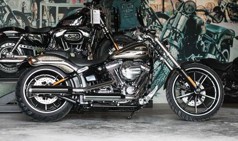 Harley-Davidson Breakout màu độc nhất Việt Nam 1