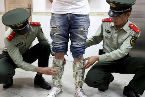 Kinh tế bất ổn, nhà giàu Trung Quốc vội tuồn tiền ra nước ngoài 2