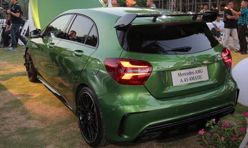 Mercedes A45 AMG 4Matic có giá hơn 2,2 tỷ đồng 2