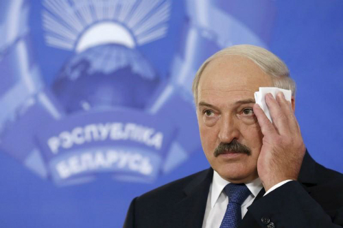 """Kinh tế Nga """"hắt hơi"""", láng giềng cũng """"sổ mũi"""" 2"""