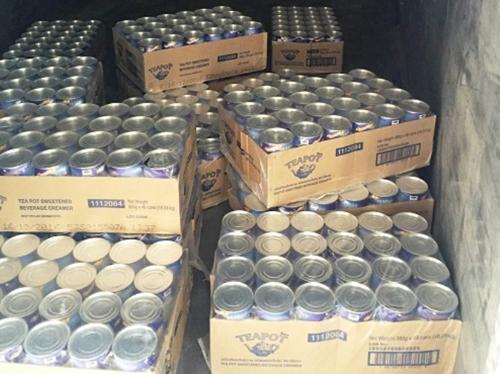 Tịch thu hàng nghìn lon sữa ngoại nghi nhập lậu 1