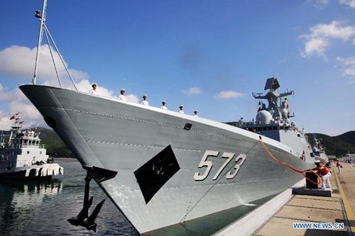 Tàu chiếnLiuzhou của Trung Quốc, một trong các tàu tham gia diễn tập ở Campuchia. Ảnh: Xinhua