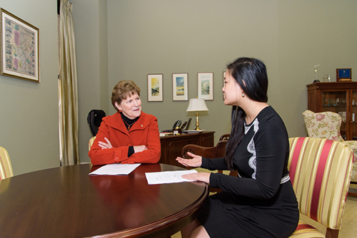[Caption]Nguyen meets with Senator Jeanne Shaheen of New Hampshire. (Photo courtesy of Rise)