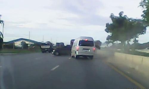 Cảnh sát Thái Lan truy đuổi ôtô như phim hành động 3