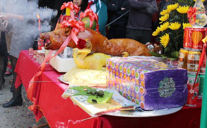 Lạng Sơn tưng bừng lễ hội đền Kỳ Cùng - Tả Phủ