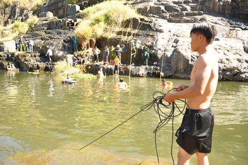 Du khách nước ngoài tử vong khi tắm thác ở Lâm Đồng 1