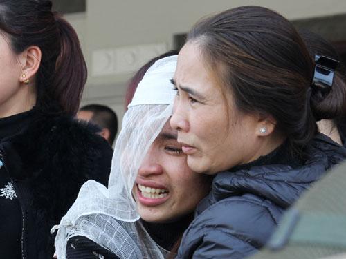 Nỗi đau xé lòng người mẹ có con gái bị xe Camry đâm tử vong