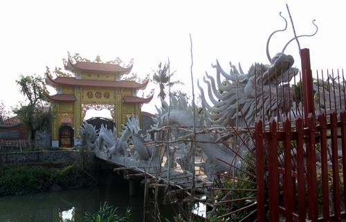 Số phận đền thờ tổ nghiệp của Hoài Linh
