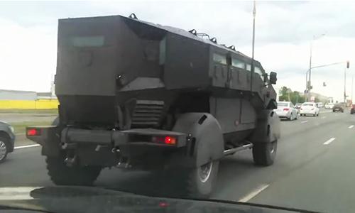 """Xe bọc thép ZIL Karatel - """"quái vật"""" Batmobile của Nga 2"""