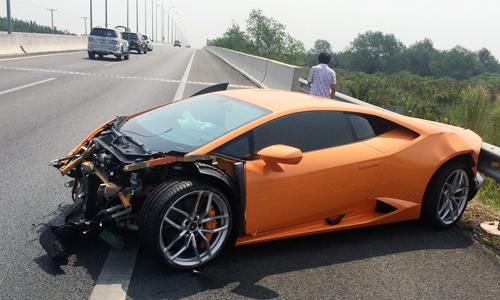 Những tai nạn siêu xe ở Việt Nam 1