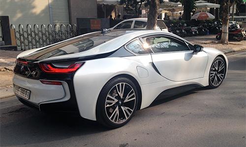 Xe sang BMW i8 biển đẹp tại Việt Nam 1