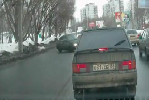 Xe tải ủi hàng loạt người tại Trung Quốc 2