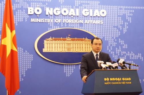 Phát ngôn viên Bộ Ngoại giao Việt Nam Lê Hải Bình phát biểu tại cuộc họp báo hôm nay. Ảnh: Trọng Giáp