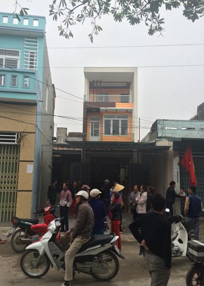 nghi-van-sung-no-o-sam-son-nguoi-dan-vay-tru-so-thi-xa-2