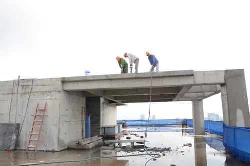 Hơn 3 tháng, Hà Nội chưa cưỡng chế xong tum nhà 8B Lê Trực